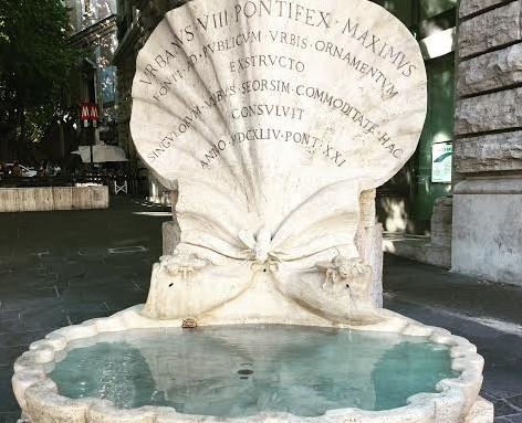 Le fontane di piazza Barberini e l'acqua di miele – Folklore romano#4